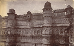 Close view of portion of the exterior wall of the Man Mandir Palace, Gwalior